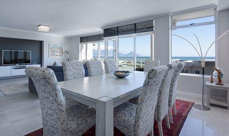 dining-room-3108037_960_720.jpg