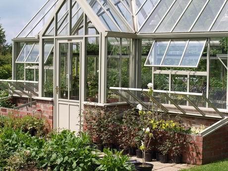 greenhouse-2683927_960_720.jpg